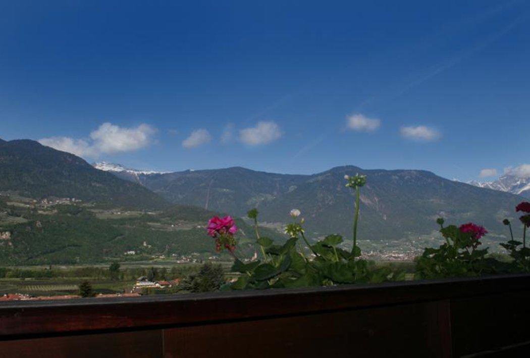 Herrliches Panorama - Blick nach Lana und Meran
