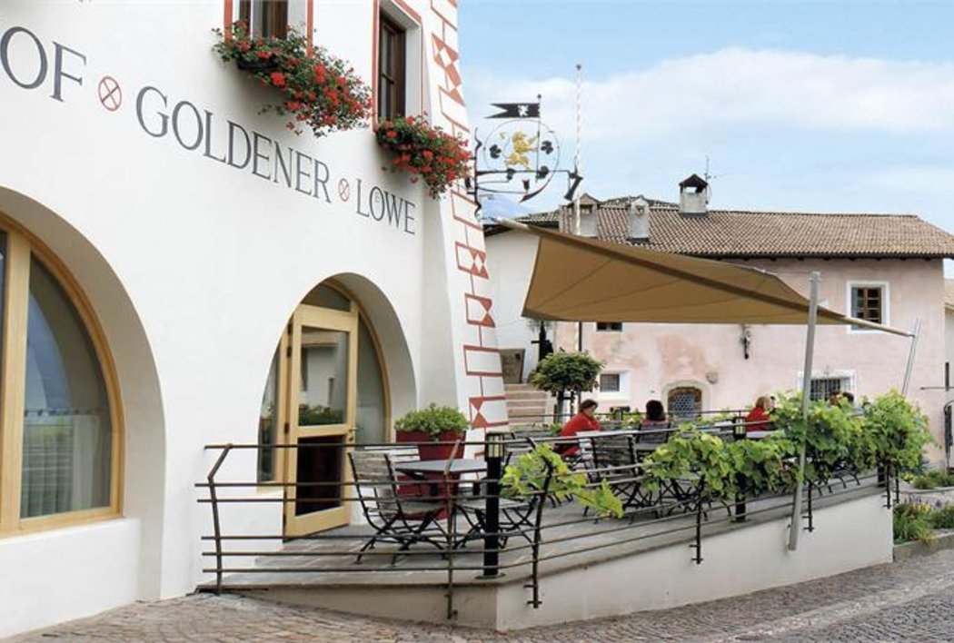 Dorfplatz-Terrasse