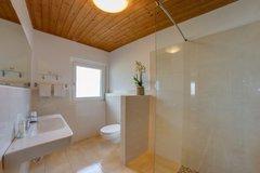 Badezimmer im Hotel Alber in Vöran, Südtirol