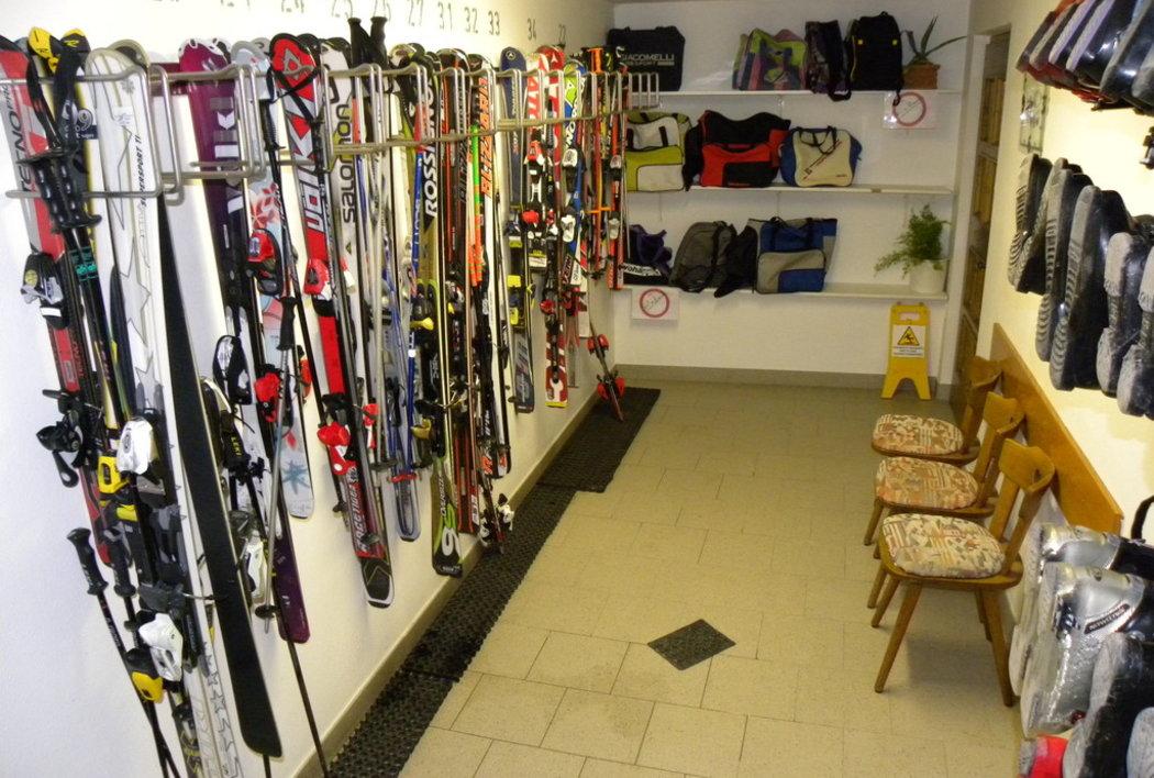 ski deposit